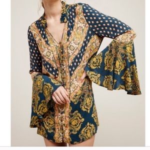 FREE PEOPLE Magic Mystery Tunic Print Navy Top